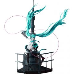 Character Vocal Series 01 PVC Figure 1/8 Miku Hatsune Love is War Refined Ver. 28 cm